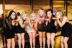 Looking for tips on how to throw a killer Las Vegas bachelorette party? My MOH threw the best bachelorette bash in Vegas baby! Bachelorette Lingerie Party, Bachelorette Party Planning, Vegas Bachelorette, Birthday In Las Vegas, Vegas Party, Vegas Style, Bridesmaids And Groomsmen, Girls Weekend, Maid Of Honor