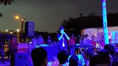 Puchong Setia Walk 户外口琴表演~ 还有现成的舞台背景.. 哈~ 果然有经典到 :D  #puchong #setiawalk #Opening #softlaunch #performance #harmonica #keithvalentinemusic #keithvalentine #malaysia #kvcircle #KROS #crowded #云数贸 #happening #night #outdoor