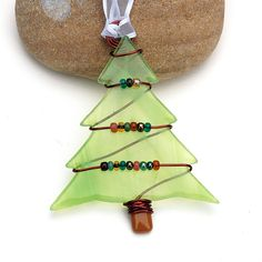 Fused Glass Christmas Tree Ornament - Suncatcher. $14.00, via Etsy.  Beads on wire!