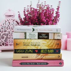 Bom dia :) .  Credits to @bibliofilem.byc .  #bookstagram #instabook #bookaddict #ilovebooks #bookporn #bookworm #bibliophile #booknerd #bookgeek #czytambolubie #reading
