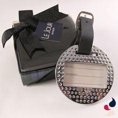 Identificador de malas: ideal para colocar em um jogo de malas, este identificador pode vir com os seus dados impressos.