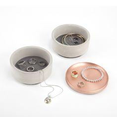 Smykkeskrin Tesora box - Lækker box i beton og kobber til opbevaring af fx smykker eller andre småting.  Kan deles til 2 boxe og et låg.