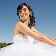 4 Morning Moves to Wow in Your Strapless Wedding Dress