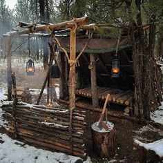 Image may contain: tree and outdoor Bushcraft Skills, Bushcraft Camping, Camping Survival, Outdoor Survival, Camping Hacks, Outdoor Camping, Survival Shelter, Survival Tools, Wilderness Survival