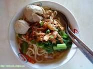 Indonesian Street Food - Mie Ayam Bakso (Chicken Noodle with meatballs)
