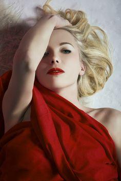 Sensual woman portrait extravagance fashion beauty photography photographer