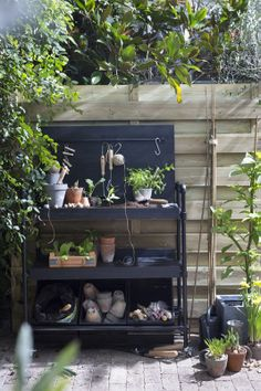 Potting table new style. Outdoor Potting Bench, Potting Tables, Garden Table, Garden Pots, Garden Shop, Home And Garden, Greenhouse Shed, Backyard Paradise, Garden Trellis