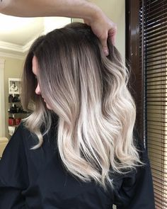 "8,208 Likes, 52 Comments - Balayageombre® (@balayageombre) on Instagram: ""I really love the transfer color so soft #balayage #balayageombre #balayagehighlights #babylights…"""