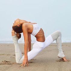 Sjana Elise in the Alo Yoga Godess Legging #yoga #inspiration