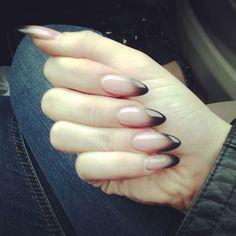nail art edgy, black, almond shaped