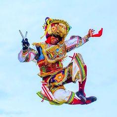 """25 Likes, 2 Comments - Travel Tips by Nicky & Lou ✈️ (@placeok) on Instagram: """"Hoy es #DomingoDeGanarSeguidores y de bailar como este danzante de tijeras #Peru #repost >>…"""""""