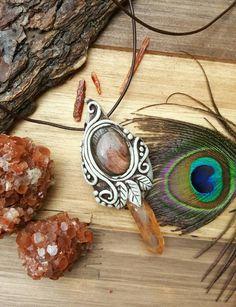 Adorable collier elfique avec cabochon Labradorite violet/rose et point de…