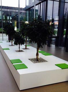 Sitzmöbel mit integrierten Plfanzen by kühnle'waiko #office #furniture #workspace #interior #design #plants #chilling