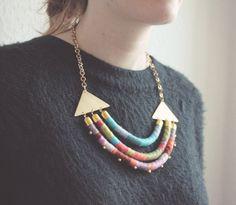 Rope and brass statement necklace  India /// Summer por Tzunuum, $165.00