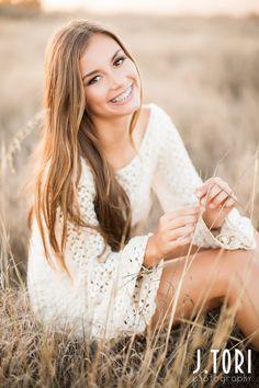 Senior Pictures Ideas – California Senior Portraits – J.Tori Photography – www.j… – girl photoshoot poses Senior Portraits Girl, Photography Senior Pictures, Senior Girl Poses, Senior Portrait Photography, Senior Posing, Senior Session, Photography Jobs, Fall Portraits, Photography Classes