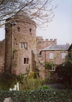 Tiverton Castle, Exeter, England - originally built in and rebuilt and modernised down the ages, all periods of architecture from medieval to modern can be seen. Devon And Cornwall, Castle Ruins, Grand Homes, Tourist Information, British Isles, Historic Homes, Countryside, Britain, Places To Go