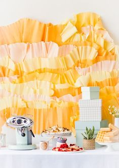 A Pastel Mother's Day Brunch Filled with DIY Party Ideas! #mothersday #brunch #partyideas
