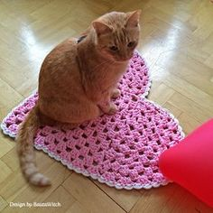 Heart-shaped-rug-by-BautaWitch-tried-by-cat