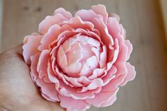 Gum paste peony tutorial - I wonder ifI can apply this to make a paper peony?