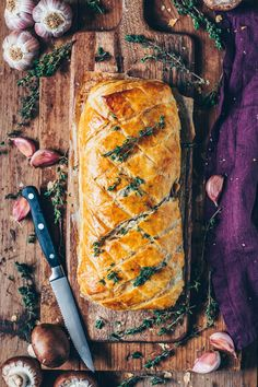 Dieser vegane Pilz-Wellington ist ein köstlicher veganer Braten und wird sicher… This Vegan Mushroom Wellington is a delicious vegan roast and will surely delight any Christmas guest! He is very easy to prepare, hearty, spicy and so delicious! Roast Recipes, Rice Recipes, Keto Recipes, Vegetarian Recipes, Pastry Recipes, Recipes Dinner, Lunch Recipes, Baking Recipes, Dinner Ideas