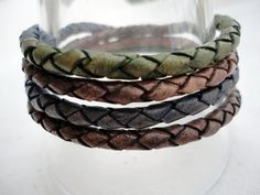 Earth Tones leather bracelet for men whith by mitallerdenubes, €19.00