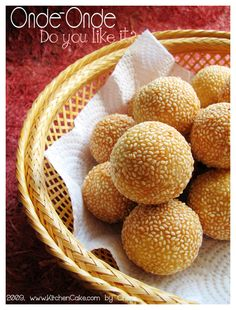 Onde-Onde Goreng • Indonesian food sweet #Indonesian recipes #Indonesian cuisine #Asian recipes http://indostyles.com/