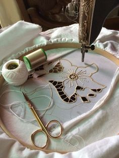 Resultado de imagem para Embroidery It: How to do Cutwork Machine Embroidery a Step-By-Step Tutorial