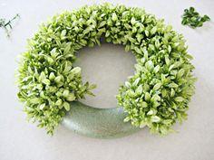 Easy to make boxwood wreath. robin-happyathome.blogspot.com