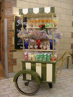 TABLE SETUP: Vintage candy cart