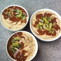 trio of banana & cacao smoothies with kiwi, chia, buckwheat & flax ~ raw, vegan & refined sugar free!