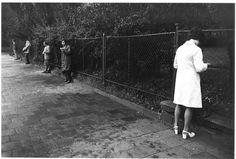 Workers wait for the bus in 1974. (Viktor Kolar)