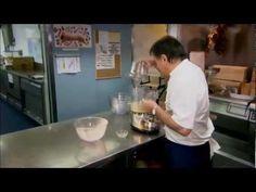 Raymond Blanc - Gâteau de Macarons - YouTube