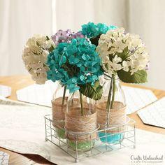 Faça você mesma: facílimo arranjo floral coloridinho. Blog Achados de Decoração - hortensias artificiais e pedrinhas coloridas