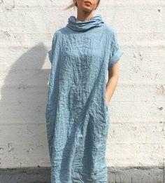 Купить или заказать Льняное платье в интернет-магазине на Ярмарке Мастеров. Льняное платье серо-голубого цвета с воротником, в боковых швах карманы. Чистый лен без добавок, отличное качество. Размеры S, M, L, XL. Возможны другие цвета: бежевый, серый, черный, бордо, синий, ярко-оранжевый, коралловый.