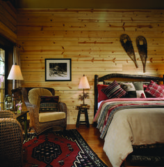 Fantastic Rustic Cabin Bedroom Decorating Ideas - Page 13 of 41 - Actaeon Decor Luxury Log Cabins, Log Cabin Homes, Lodge Bedroom, Bedroom Decor, Log Cabin Bedrooms, Cottage Bedrooms, Bedding Decor, Master Bedroom, Cabin Interiors
