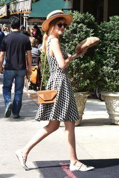 Verão com graça - Dakota Jonhson - almaachieva.com.br - Women´s Fashion Style Inspiration - Moda Feminina Estilo Inspiração - Look - Outfit