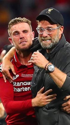 When Hendo and Klopp cried together winning 2019 CL. Liverpool Fc Managers, Liverpool Anfield, Liverpool Players, Liverpool Fans, Liverpool Football Club, Liverpool Tattoo, Liverpool Legends, Liverpool Fc Wallpaper, Manchester United Wallpaper