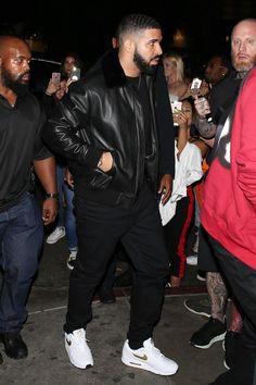 a8d828e4923770 Drake wearing Nike Air Max 1 Sneakers