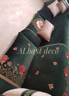 Bed Design, House Design, Style Marocain, Moroccan Interiors, Embroidery Motifs, Bed Sheets, Bed Pillows, Salons, Bedroom Decor