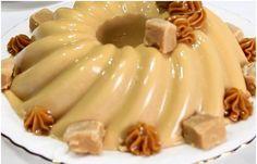 Hidrate a gelatina incolor em pó sem sabor em água e leve em banho maria ou no micro-ondas por 15 segundos para derreter . Deixe reservado. No liquidificador adicione o doce de leite, o creme de leite e o leite. Bata até que fique homogêneo... Panna Cotta, Pie, Banana, Cooking, Ethnic Recipes, Desserts, Youtube, Cake Filling Recipes, Tasty Food Recipes