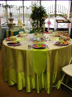 Sample table setting using Satin Linens. Beautiful!