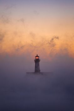 Lighthouse in the mist/fog Sunset in background Plants Png, Beautiful Places, Beautiful Pictures, Lighthouse Pictures, Lighthouse Keeper, Beacon Of Light, Am Meer, Belle Photo, Mists