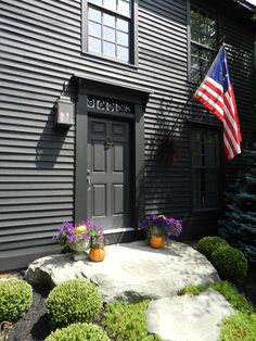 Love the stone steps and flag against the color of the house. (dark paintings walkways) Country Front Door, House Front Door, House Entrance, Saltbox Houses, Old Houses, Front Stairs, Entry Stairs, Front Walkway, A Lovely Journey