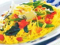 Receitas - Tagliolini com tomates, espinafre e presunto cru - Petiscos.com