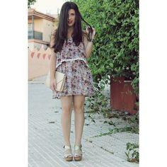 Vestidito veraniego de flores y sandalias doradas de rafia, este es mi #lookMARYPAZ @MARYPAZ Shoes #look #ootd #ou... pic.twitter.com/EXhFtoO4Xy