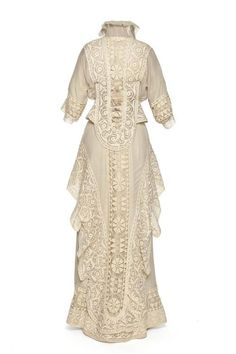 1912 Afternoon Dress by House of Doeuillet. Edwardian Clothing, Edwardian Dress, Antique Clothing, Edwardian Fashion, Historical Clothing, Vintage Fashion, Edwardian Era, Gothic Fashion, Vintage Gowns