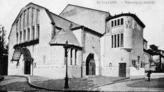 Az 1908-ban átépített és kőszínházzá átalakított Városligeti Színkör 1909. június 19-én nyílt meg, ettől kezdve Fővárosi Városligeti Színház néven működött tovább egészen 1952-es lebontásáig