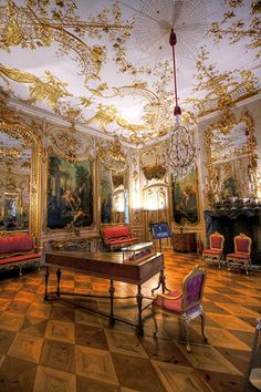 Rocaille ornament and Rococo style Georg Wenzeslaus von Knobelsdorff, Music Room in the Sanssouci Palace, circa Potsdam, Germany. Medieval, Frederick The Great, Summer Palace, Rococo Style, Architectural Antiques, Great View, Art Decor, Home Decor, Architecture Art