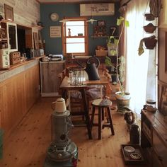 asami1130さんの、輸入住宅,ゆっぽん,犬の服手作り,ミニチュアダックス,ブライワックス ジャコビアン,腰板,DIY,雑貨,タグ作り,わんこと暮らす家,男前,ステンシル,ワイヤーバスケット,無垢の床,セリア,鉢植えスタンド,ハンドメイド,いいね