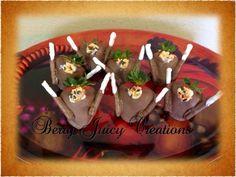 Turkey strawberries for Thanksgiving! #thanksgiving #turkey #berryjuicycreations